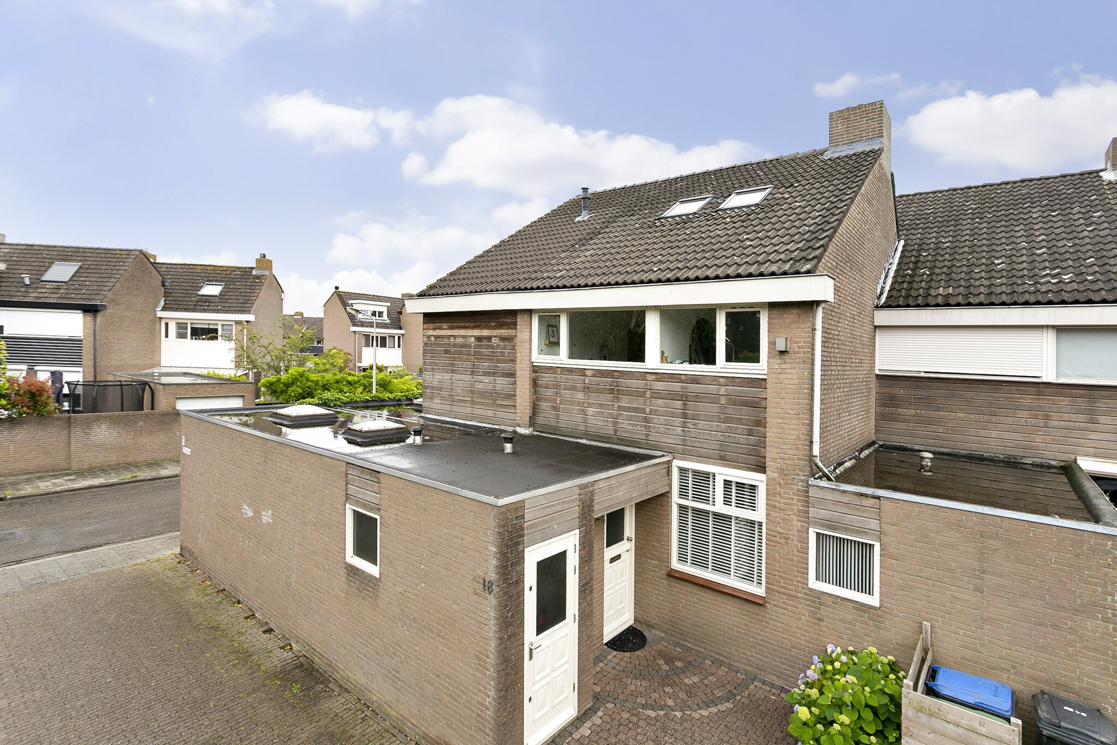 De woning aan Eleolietdijk 18 te Roosendaal is reeds verkocht voor internetplaatsing!